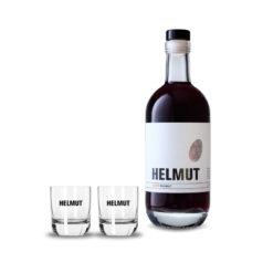 Flasche HELMUT der Rote und zwei Gläser mit HELMUT Schriftzug